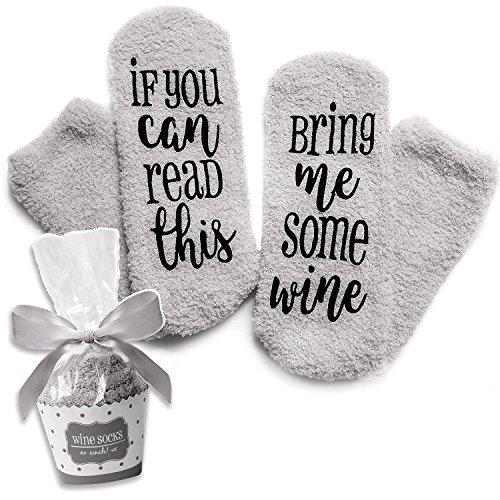 """Grau Luxus-Wein-Socken mit """"If You Can Read This Bring Me Some Wine"""" mit Cupcake-Geschenkverpackung von Smith's (Geschenkidee, lustiges Wein-Zubehör für Frauen, tolles Geburtstags- & Gastgeschenk)"""