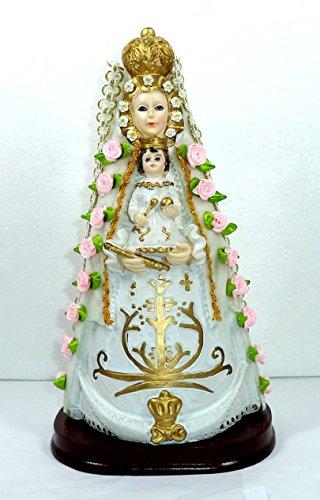 Virgen del Rocío. Medidas: 26x14x10 cms. aprox.. Elaborada en Resina policromada, con adornos de flores de tela, puntilla y manto tipo terciopelo blanco.
