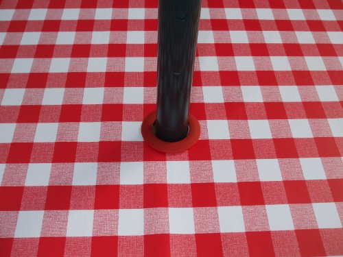 THE TABLECLOTH COMPANY 140 x 250 cm Nappe Ovale en PVC/Vinyle - Vichy Rouge avec Trou Parasol