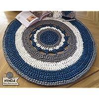 Alfombra redonda mandala de trapillo grueso azul, gris y blanca de 105 cm. en