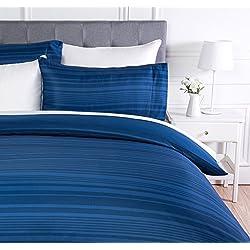 AmazonBasics - Juego de ropa de cama con funda de edredón, de microfibra, 135 x 200 cm, Azul real raya (Royal Blue Calvin Stripe)
