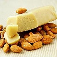 Bloque de almendra siciliana de primera calidad. El alto porcentaje de almendra lo hace ideal para leche y granisados densos y cremosos del fuerte sabor de almendra