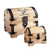 Casa Vivente – Set zur Hochzeit – Große Holzschatztruhe mit Gravur – Motiv: Ringe – Personalisiert mit [Namen] und [Datum] – Kleines Schmuckkästchen – Helles Holz – Verpackung für Geldgeschenke