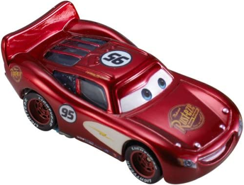 Disney Pixar - - - CARS - SUPERCHARGED - Petite voiture - Flash Mc Queen à Radiator Springs 8490f5