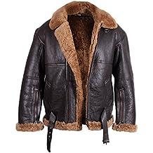 Las chaquetas de aviador se fabrican con bolsillos exteriores e interiores, para que el piloto pueda guardar cómodamente, las gafas de piloto, el gorro de piloto de cuero, el block de notas, bolígrafo, etc.