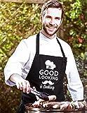 Herren Küchen-Schürze Grill-Schürze mit Spruch Mr Good Looking is Cooking Moonworks® schwarz unisize -