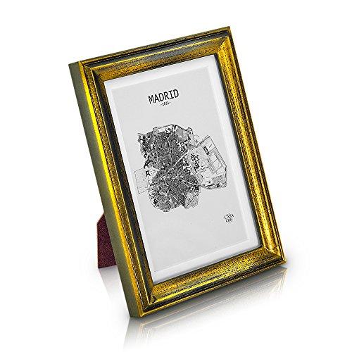 Antic by Casa Chic Marco de Foto Vintage de Madera Sólida de 18x13cm - Shabby Chic Originales - Paspartú para Fotos 15x10 cm incluida - Frente de Vidrio - ¡Anchura de los Marcos 2cm! - Oro Envejecido