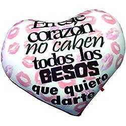 """Cojín corazón """"En este corazón no caben todos los besos que quiero darte"""""""