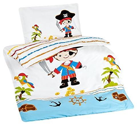 Aminata Kids - Kinderbettwäsche Bettwäsche Kinder 100x135 cm Baumwolle Jungen Pirat Piraten Seeräuber Piratenschiff Schatzinsel Piratenflagge Schatz Schatzkarte Schatzkiste blau Kleinkind KINDERGRÖSSE