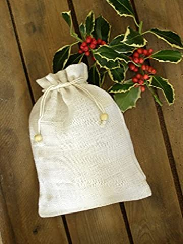 Small Plain WHITE Drawstring Jute Hessian Sack (20cm x 27cm) in WHITE Hessian. PACK OF 25. Bag Code #28WH