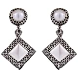 Syonaa Earring in White