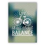Wellness Retro Motto Grußkarte mit Fahrrad für beste Freunde - auch zum Geburtstag: Life is all about balance