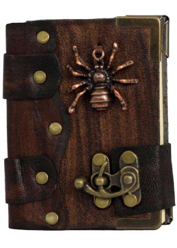 araignee-pendentif-sur-un-brun-cuir-cahier-quotidien-journal-intime-carnet-de-croquis-agenda-de-poch