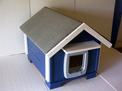 TTF Katzenhaus Outdoor mit Katzenklappe vollisoliert