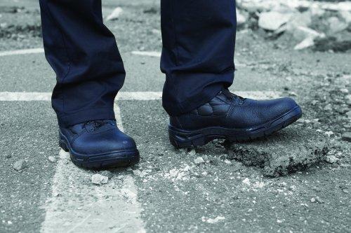 Dual Density Chukka Boot Black Size 7
