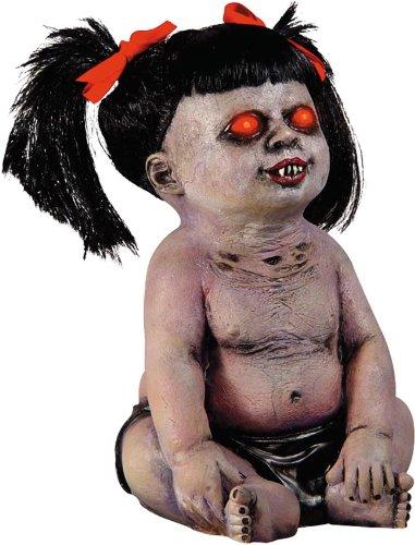 Satanic-Susy-satanisches-Zombie-Baby-Mdchen-Ausgeburt-der-Hlle-ca-40-cm-gro-mit-Leuchtaugen-Halloween-Mega-Show-Profi-Deko-Geisterbahn-Qualitt-Horror-Suglings-Dmon-Girlpower-Monster-mit-Zpfen