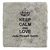 Dessous de verre en marbre avec inscription « Keep Calm and Love Jada Pinkett Smith »