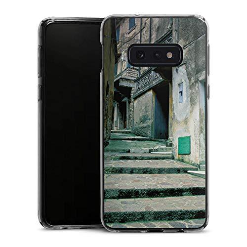 DeinDesign Slim Case kompatibel mit Samsung Galaxy S10e Silikon Hülle Ultra Dünn Schutzhülle Gasse Gebaeude Treppe - Haut-gasse