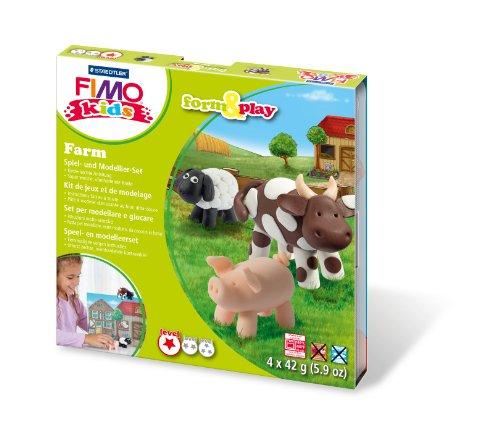 Preisvergleich Produktbild Staedtler 8034 01 LY Fimo kids form&play Set Farm (superweiche, ofenhärtende Knete, kinderleichte Anleitung, wiederverschließbare Box, Set mit 4 Fimo Blöcken, 1 Modellierstab und 1 Spielkulisse)