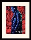 1art1 107257 Blade Runner - 2049, Gosling In Rain Gerahmtes Poster Für Fans Und Sammler 40 x 30 cm