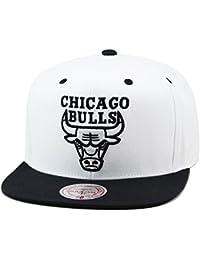 new arrival 51870 76c0b Mitchell   Ness Chicago Bulls Snapback Hat Cap White Black Silver Logo