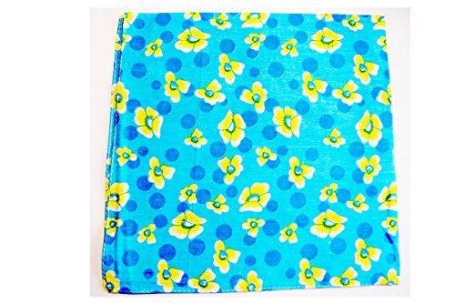 Bandana très glamour imprimée fleurie Fond bleu