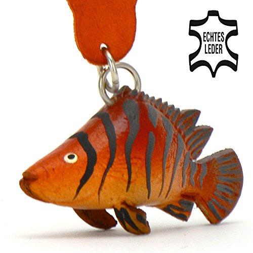 Barsch Tom - Wobbler Fisch Schlüsselanhänger Figur aus Leder in der Kategorie Stofftier / Kuscheltier / Plüschtier von Monkimau in braun - Dein bester Freund. Immer dabei! - ca. 5cm klein