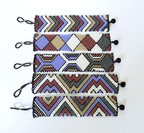 bracelet-plat-large-en-perles-sud-africain-zoulou-violet-blanc-gris-fonce