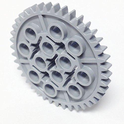 Preisvergleich Produktbild Lego Parts: Technic, Gear 40 Tooth (Light Bluish Gray) by Parts/Elements - Technic, Gears