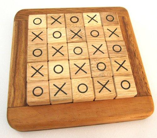 tic-tac-toe-tic-tac-toe-legespiel-strategiespiel-im-holzrahmen