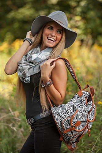 styleBREAKER Rucksack Handtasche mit trendigem Ethno Muster, Boho Style, Tasche, Unisex 02012122, Farbe:Beige-Grün-Orange Schwarz-Weiß