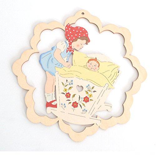Fensterbild - Mädchen mit Wiege - beidseitig coloriert - Holz ca. 23cm (Gans Mädchen)