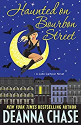 Haunted on Bourbon Street (The Jade Calhoun Series Book 1) (English Edition)