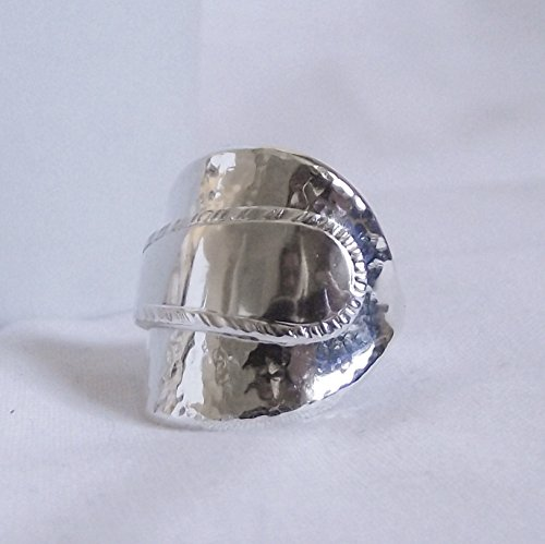 handmade-vintage-hammer-finished-sterling-silver-spoon-ring-hallmarked-1957