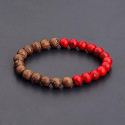Bracelet ethnique avec des perles en bois rouge