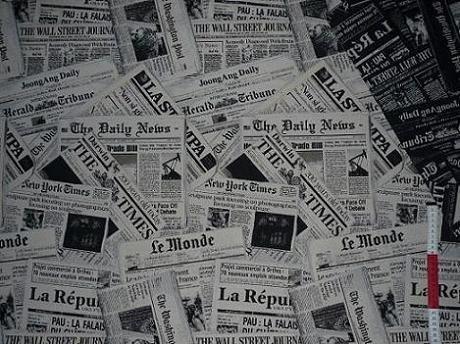 Jacquard-stoff-tasche (alles-meine.de GmbH 1 m * 1,4 m Stoff - Zeitung Newspaper - Patchwork Jacquard - schwarz weiß Stoffe - Möbelstoff Bezugsstoff - sehr stabil & fest)