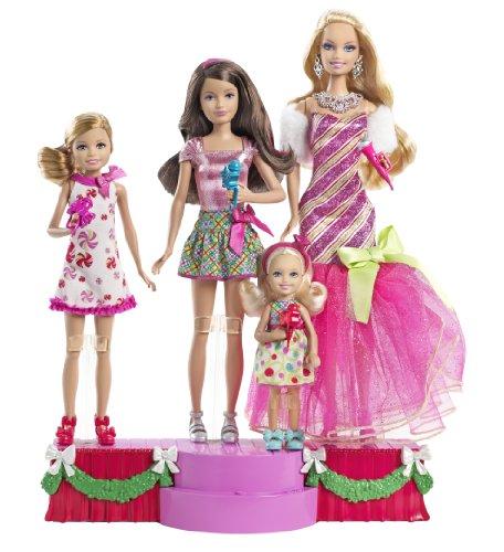 Mattel W2989 - Barbie, Stacie, Skipper und Chelsea Zauberhafte Weihnachten, Puppen inkl. Bühne