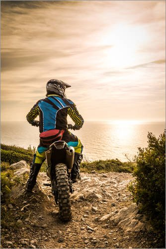 Póster 40 x 60 cm: Enduro Racer on The Coast de Editors...