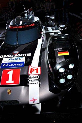 Ein 30,5x 45,7cm Foto von Die Schriftart Side View of a Porsche 919Hybrid auf Show bei der 24Stunden von Le Mans 2016in Frankreich Portrait Foto Color Fine Art Bild Print. Fotografie von Andy Evans Fotos