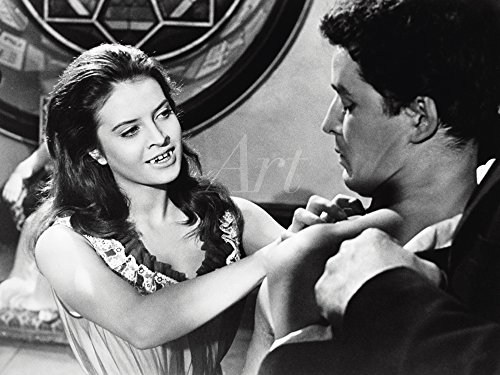 Artland Qualitätsbilder I Wandtattoo Wandsticker Wandaufkleber 40 x 30 cm Film TV Stars Foto Schwarz Weiß C2QE Kuss des Vampirs 1963 -