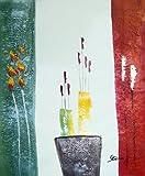 Rflkt Vase with Flowers and craftsmanship.