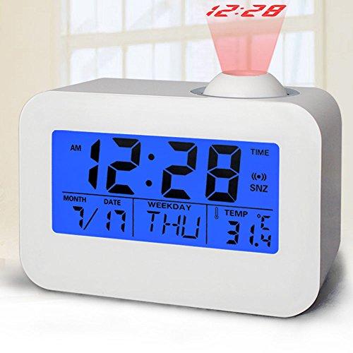 Den Digital-uhr Händen Mit (Digitaler LED-Wecker mit Projektor Funktion, Junnom Leiser Wecker / Uhr mit Hintergrundbeleuchtung mit Datums- & Temperaturanzeige, Projektion, Snooze Funktion, batteriebetrieben, Weiß)