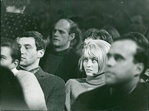 vintage-photo-of-vintage-photo-of-val-sitting-and-listening-together-with-other-people-in-bavaria