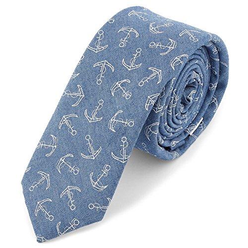 Corbata azul claro con anclas