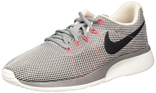 Nike Herren Tanjun Racer Gymnastikschuhe, Grau (Dust/Black-Cobblestone-Solar Red), 45 EU -