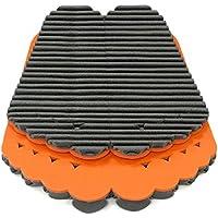 Mondaplen FootWave Set: 2 tappetini dopo sport con l'effetto massaggiante studiati per proteggere i tuoi piedi da germi e funghi in ambienti come palestra, piscina e spogliatoio. Poggiapiedi grande: 33 x 38 cm, piccolo: 30 x 34 cm. Nero/Arancione