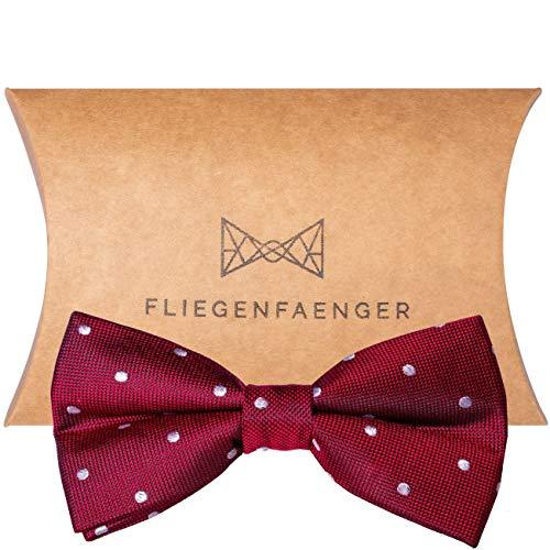 FLIEGENFAENGER® gebundene Herren Fliege rot weiss gepunktet aus Seide für deinen Anzug - Schleife Bordeaux Weinrot mit Punkten I Bow Tie Querbinder I kombinierbar mit Einstecktuch