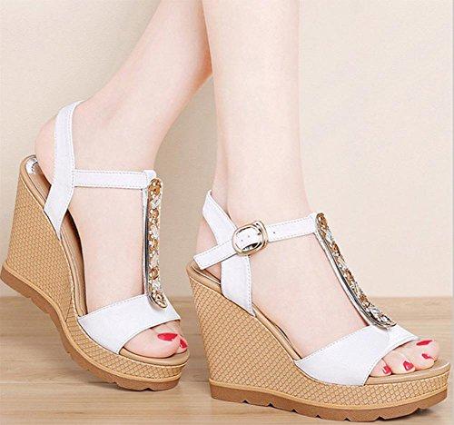 Strass Schuhe mit hohen Absätzen Fischkopf Frauen Sandalen Hang mit schweren Boden Plateauschuhen weiblicher Sommer Sandalen und Pantoffeln White