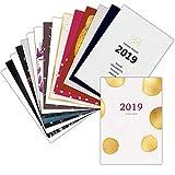 Lot de 16 cartes de voeux classiques pour 2019. Ce lot est composé de 16 cartes de voeux classiques de bonne année 2019. Chaque carte de voeux 2019 présente dans ce lot est différente. Ces cartes de voeux sont imprimées sur un papier épais de qualité...