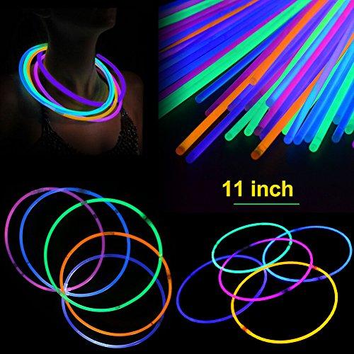 Novelinks 200 stück 11 '' glow sticks ketten pack - light up spielzeug glowsticks armbänder verschiedene farben im dark light sticks 100 count (Glow In The Dark Halskette In Bulk)